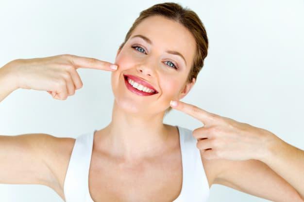 החשיבות הגדולה של ניקוי אבנית מהשיניים