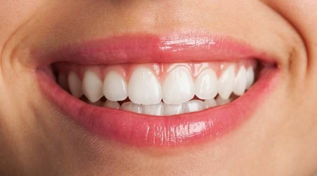 טיפולים אסתטיים בשיניים – מהי החשיבות שלהם?