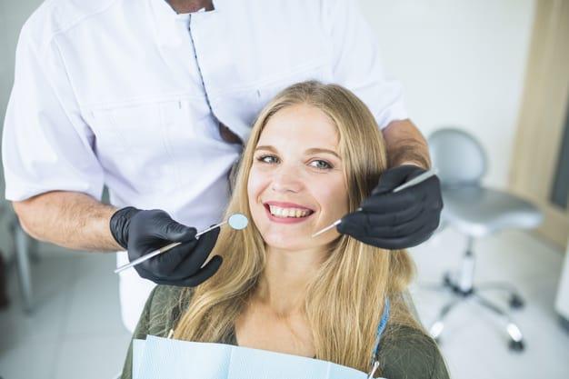 בדיקה ראשונית וצילום אצל רופא שיניים